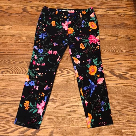 57742399ce083d Old Navy Pixie Ankle Mid Rise Pants 6 Floral Black.  M_5a567a783b160838fd019ca5
